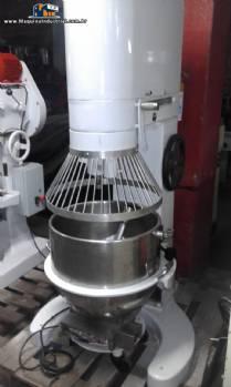 Batedeira planetária industrial para 80 100 litros