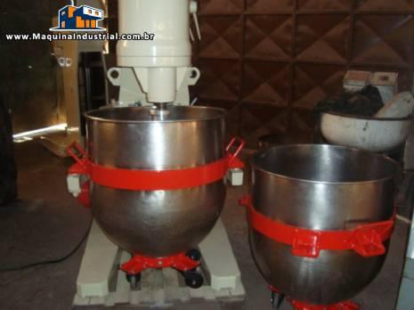 Batedeira hidráulica para 260 kg fabricante Amadio