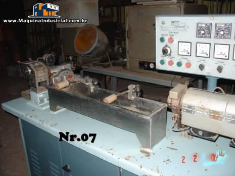 Extrusora 25 mm para laboratório marca Miotto