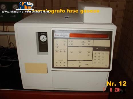 Cromatógrafo a gás com integrador e colunas