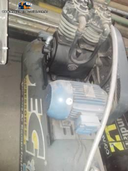Compressor marca PEG motor 5 CV 3485 rpm